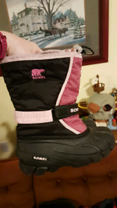 Girls Sorel Flurry Winter boots - size 3