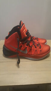 the best attitude b0b99 ab32e Nike Hyperdunk (Red)