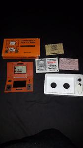 DONKEY KONG!! NINTENDO 1982 GAME AND WATCH