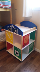 REDUCED PRICE !!! Sports cube side table