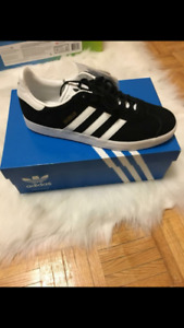 Size 12 Mens Adidas sneakers
