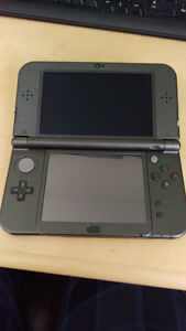 new nintendo 3ds xl and 2 games (majora's mask and pokemon sun)