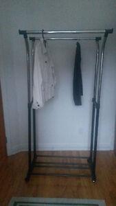 Support double pour vêtements sur cintres