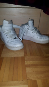 BEAT Nike air force 1 mens size 9.5