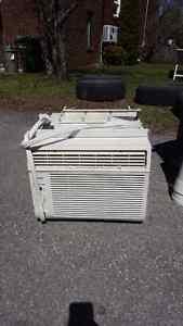 Danby 12 000 BTU Air Climatisé / Air Conditioner / Climatiseur