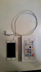 Gold Iphone 5s 16gb  Locked to eastlink $200 O.B.O