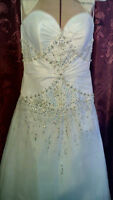 BEAUTIFUL STRAPLESS  WHITE GOWN PROM/WEDDING/ANYTHING