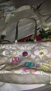 "Xl authentic Coach bag 19"" x 12""  Cambridge Kitchener Area image 2"