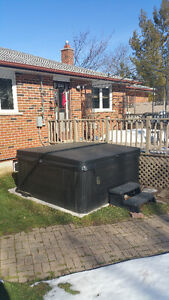 Hot Tub Excellent Condition 1 year Old