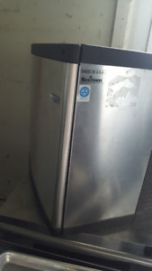 ice maker 300 pounds  also ice cap and soft serve machines