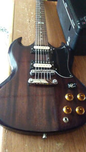 Gibson SG and  Boss Metal Zone MT-2