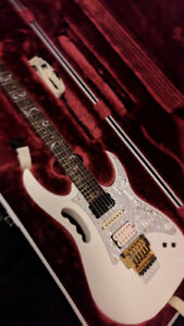 Beautiful Ibanez Jem 7VWH 2005 with Fernandes sustainer mod