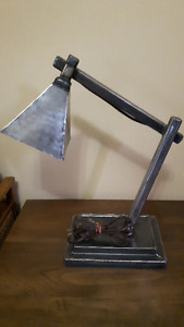 Moving!Solid Industrial Table Lamp (solid metal through out)