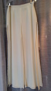 Palazzo style pants with 4 panels