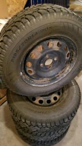 Hankook 14in Snow Tires