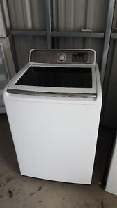 Like new washer with glass lid 250.00 works well, Delivery avail