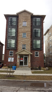 Close to UW or WLU Large nice units 6 yr new building