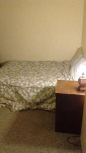 FURNISH ROOM FOR AVAILABLE FOR RENT TODAY $200/W,525/M-THICKWOOD