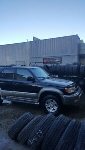 2000 Toyota 4Runner limited SUV, Crossover
