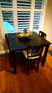 Bar height Dinning Table and chairs ( Best offer)