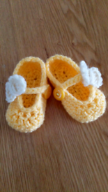 Homemade crochet baby shoes