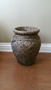 VASE DECORATIVE/GORGEOUS FLOOR VASE