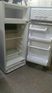 Frigo de marque Consul 8 picu - Réfrigérateur au propane