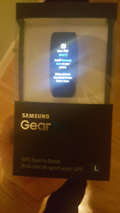 Samsung GearFit 2 w/ cracked (but fully functional) glass