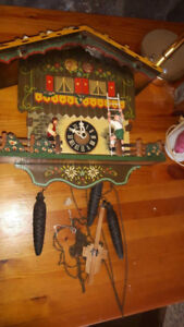 Antique German Cuckoo Clock / Horloge Coucou