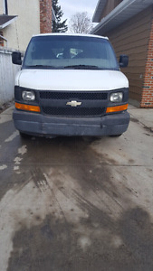 2004 chevy express van