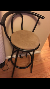 Selling 4 chairs ~ Athabasca ~