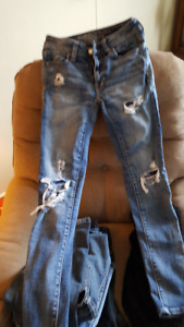 5 Pairs of Skinney Jeans