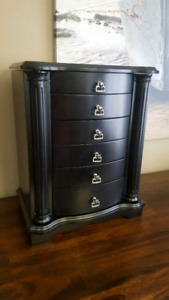 Excellent condition jewelry armoire
