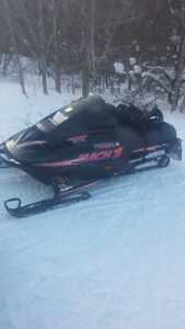 95 skidoo mach 1 LADY DRIVEN !