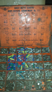 ANTIQUE  BOX OF SHEET METAL SCREWS OF ALL SIZES