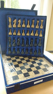 CHESS SET Oakville / Halton Region Toronto (GTA) image 1