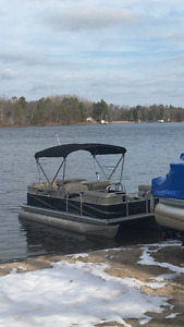 2012 SunChaser Oasis 818 Cruise pontoon with 25 HP
