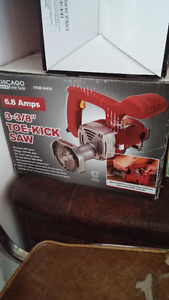 "Chicago 3-3/8"" Toe Kick Saw"