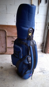 Used right handed golf clubs and golf bag.