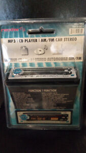 CAR MP3 / CD PLAYER /AM/FM STEREO IN BOX