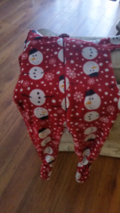 Fleece jammies from children's place. Size 3