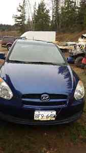 *REDUCED* 2010 Hyundai Accent Hatchback Prince George British Columbia image 2