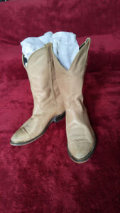 LAST CHANCE!!! Men's LAREDO leather cowboy boots
