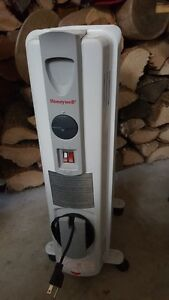 Honeywell Oil Filled Electric Heater with Thermostat