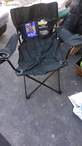 3 Foldable Lawn Chairs