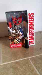 Transformers Evasion Mode Optimus Prime