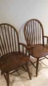 Dining table and 6 chairs Windsor Region Ontario image 4