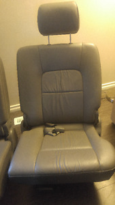 KIA SEDONA Leather Seats