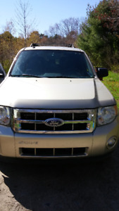 FOR SALE 2010 FORD ESCAPE XLT 4X4