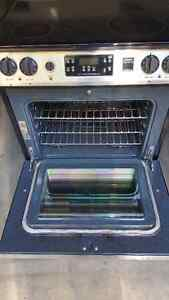 """30"""" Frigidaire Gallery Series SS Convection Oven Cambridge Kitchener Area image 3"""